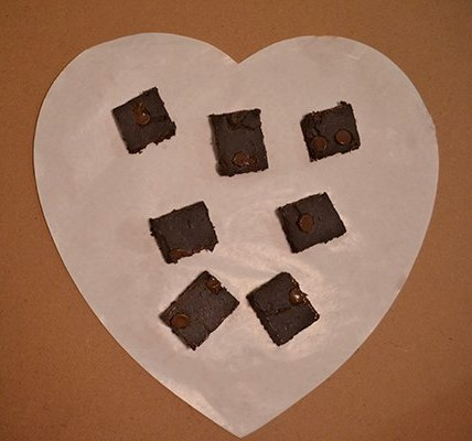 Zucchini brownies heart edit